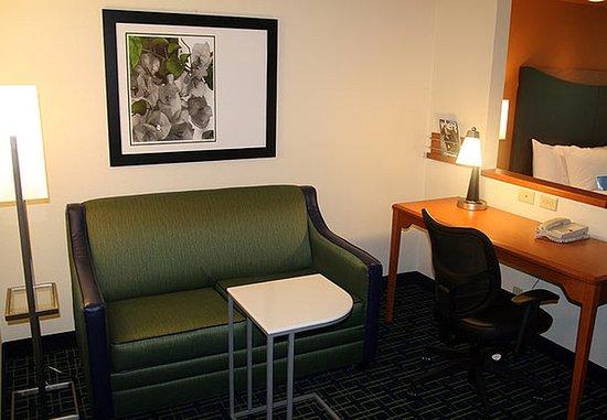 Eden Prairie, MN: Executive King Suite Sitting Area