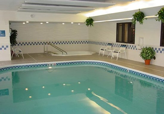 Иден-Прери, Миннесота: Indoor Pool & Hot Tub