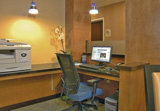 Brunswick, GA: Business Center