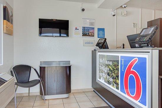 Motel 6 Kelso - Mt St Helens: Lobby