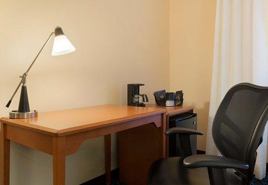 Roseville, MN: Work Desk
