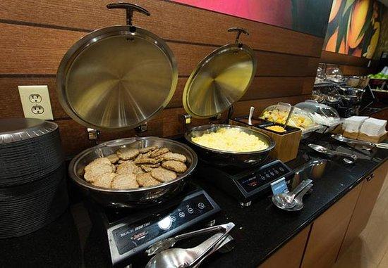 Orangeburg, Carolina del Sur: Breakfast Buffet – Hot Items
