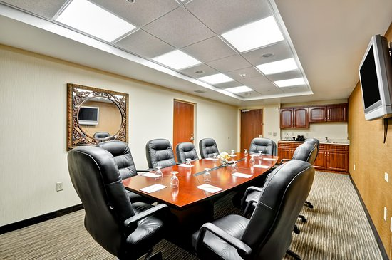 Oldsmar, FL: Boardroom