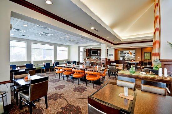 Oldsmar, FL: Dining Room