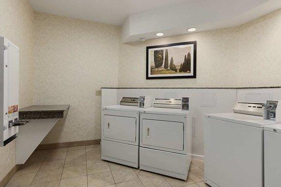 Liverpool, NY: Laundry Facilities