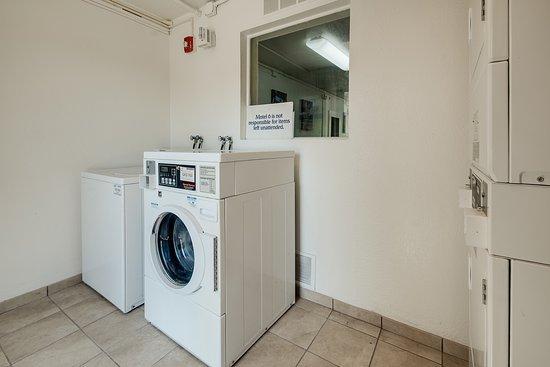 Lenexa, KS: Laundry
