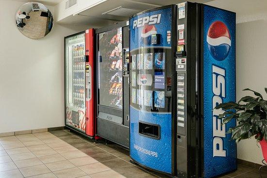 Lenexa, KS: Vending