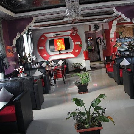 TWINS : restaurant-Cafe