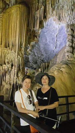 Dong Hoi, Vietnam: Paradise cave with Thao Nguyen