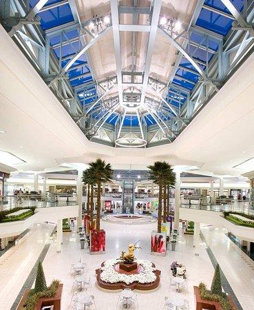 Singer Island, FL: The Gardens Mall