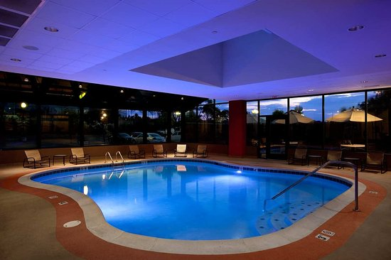 Oakbrook Terrace, IL: Oak Brook Hotel with Indoor Pool