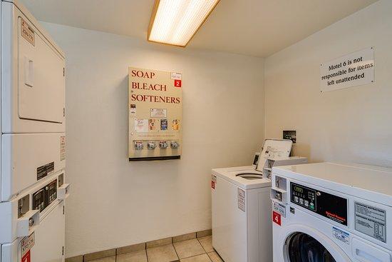 Motel 6 Chicago O'Hare - Schiller Park: Laundry