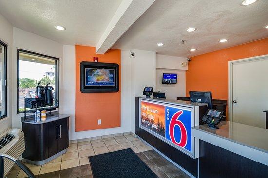 Motel 6 Chicago O'Hare - Schiller Park: Lobby