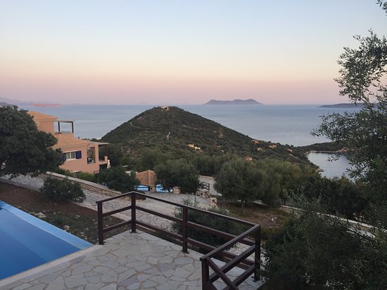 Sivota, Grecia: Pool & views at sunset