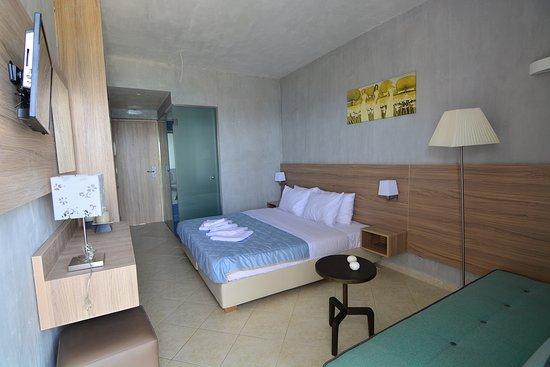 Xylokastro Beach Hotel : Double Room