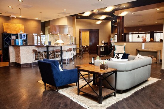 Hilton Greenville: Villedge Sitting Area