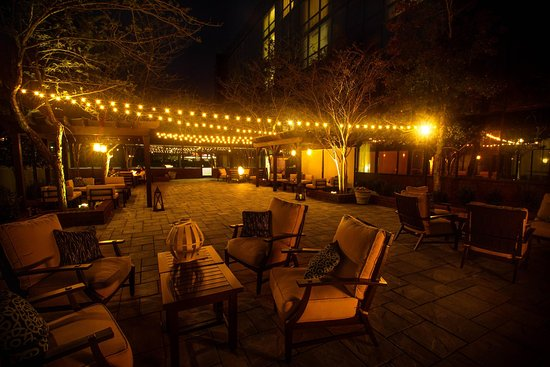 Greenville, NC: Courtyard with friends