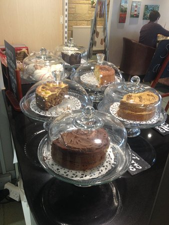 Chipping Norton, UK: Sit back with the impressive views in the tearoom and enjoy locally baked cakes.