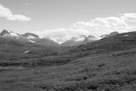 Valdez, AK: Mountain view from the trail