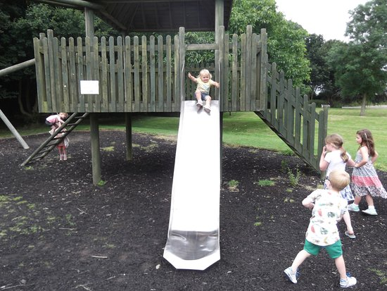 Wymondham, UK: Abbey's slide