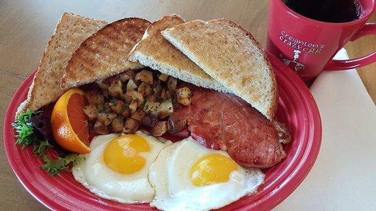 วอร์ซอ, อินเดียน่า: Blue Ribbon Farm plate - A breakfast favorite!