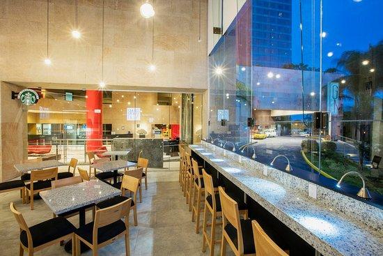 Hilton Guadalajara: Café