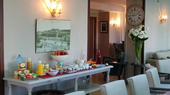 Cesson-Sevigne, Francja: Petit Déjeuner