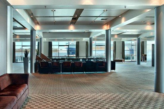 Hilton Auckland: Pre-Function Area
