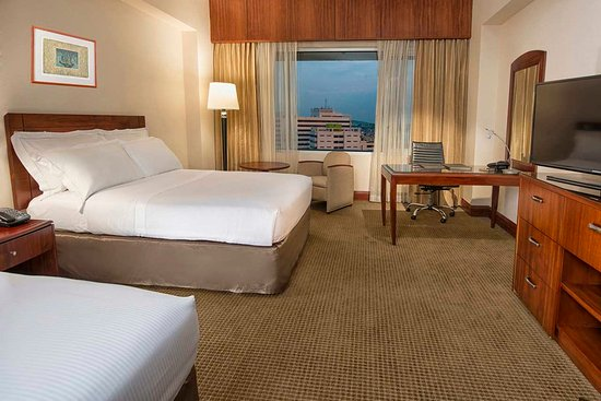 Hilton Colon Guayaquil: Queen Bed Deluxe