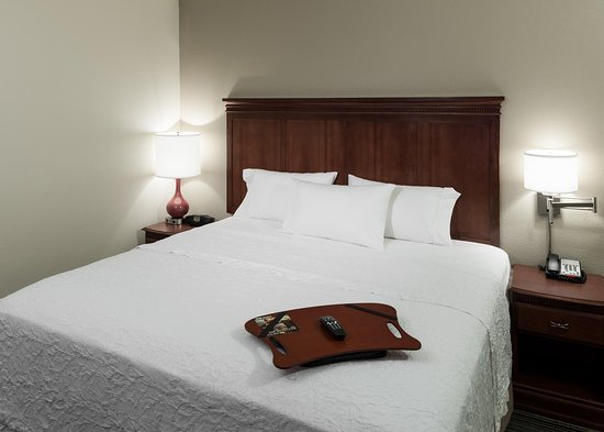 เวสต์ฟอร์ด, แมสซาชูเซตส์: 1 King Guestroom