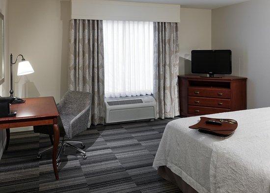 เวสต์ฟอร์ด, แมสซาชูเซตส์: 1 King Bed