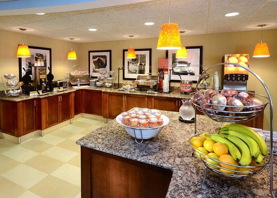Cornelius, NC: Breakfast Area