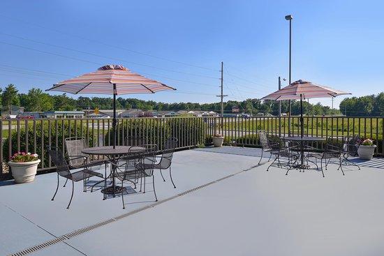Carbondale, IL: Outdoor Patio