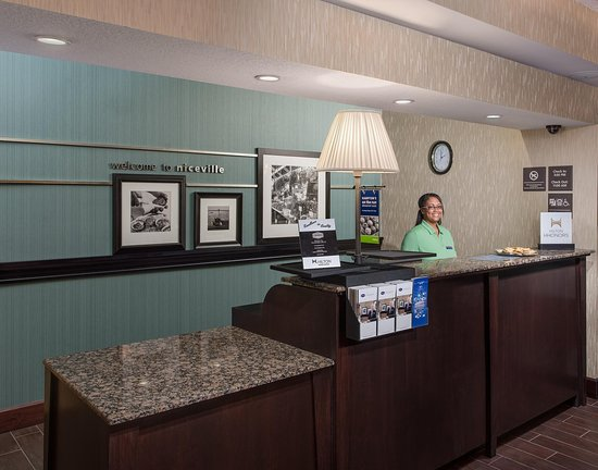 Hampton Inn Niceville-Eglin Air Force Base: FrontDesk