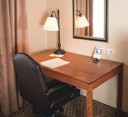 Greeley, CO: Desk