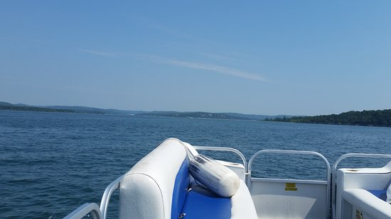 Branson ouest, MO : Pontoon on Table Rock