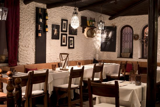 Aschaffenburg, Germany: Gasträume des don quijote