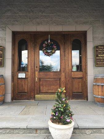 Casa Larga Vineyards: welcome drinkers!