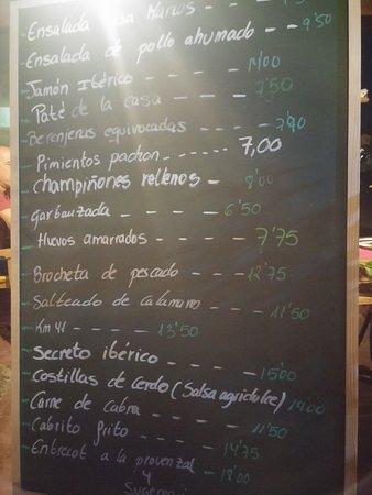 Villaverde, España: menù alla lavagna