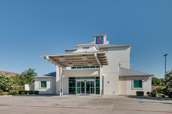 Motel 6 Cleburne: Exterior