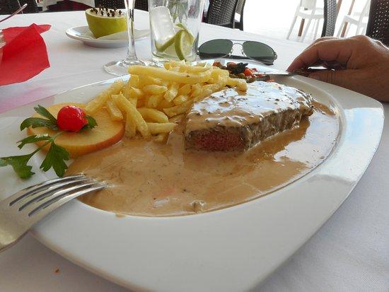 Santiago de la Ribera, Spanien: Filet de bœuf au poivre
