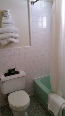 Wallace, ID: Small bathroom but very clean