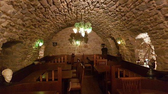 Calenzana, Франция: Dans la tradition,, pierres apparentes et cave voutée