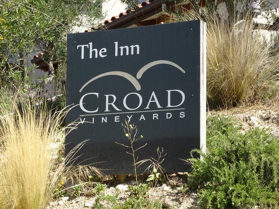 The Inn at Croad Vineyards: Visit for tasting or stay