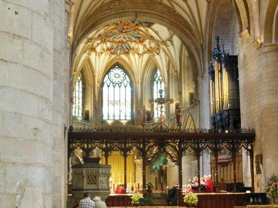 Tewkesbury Abbey: Inside the Abbey