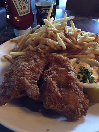 Condado de Orange, CA: Fish n Chips with skinny fries