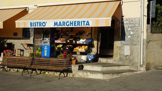 Bester Lebensmittelladen. Veronika, die Inhaberin hat sehr gute ...