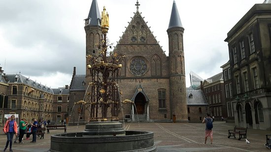 ‪‪Binnenhof & Ridderzaal (Inner Court & Hall of the Knights)‬: 20160727_121829_large.jpg‬