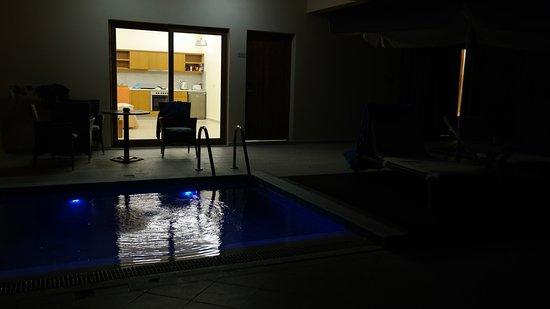 Villa Di Mare Luxury Suites : quarto