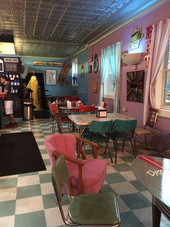 Arnolds Perk Coffee House: Interior layout